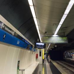 Estación de metro Badal