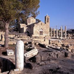 Колонна Святого Павла, церковь