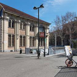 Rivoli Metro Station