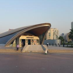 Stanica metra Baniyas Square