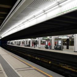 Längenfeldgasse Metro Stop