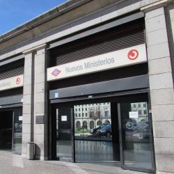 Nuevos Ministerios Metro Station
