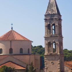 Franjevački samostan u Makarskoj