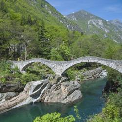 Canton of Ticino 565 self catering properties