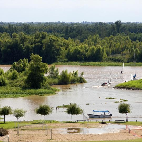 Fishing on the Paraná River