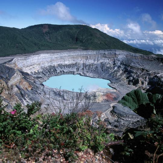 Climbing the Poás Volcano