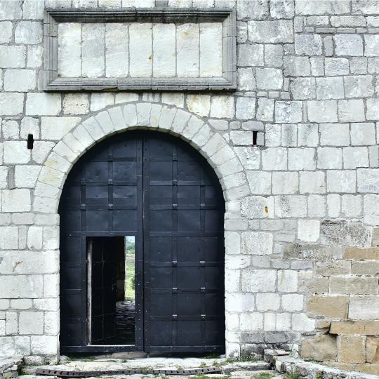 Замок Бурлемон в Мон-ле-Нефшато