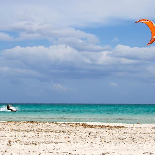 Kite- és windsurfing Porto Pollóban