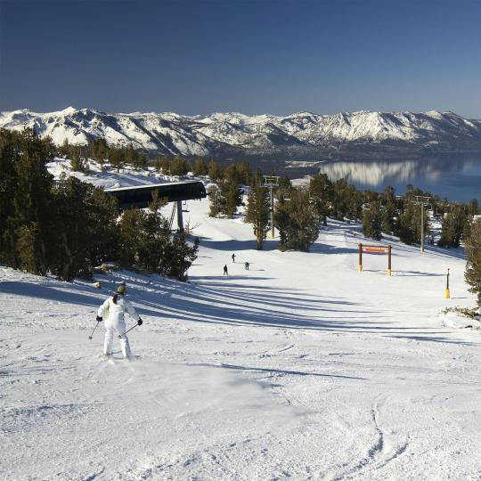 Berski di Sierra Nevada