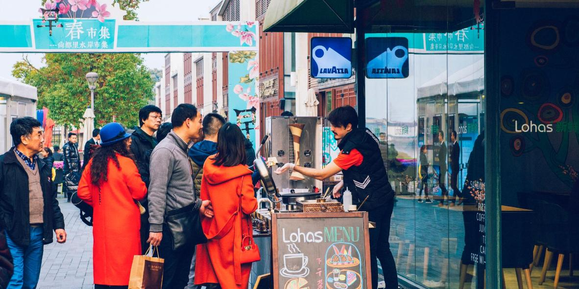New commercial areas attract visitors with international cuisine