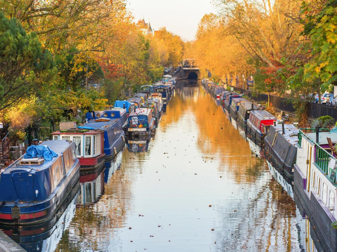 With the cool air and warm colours, autumn in London is all about contrasts