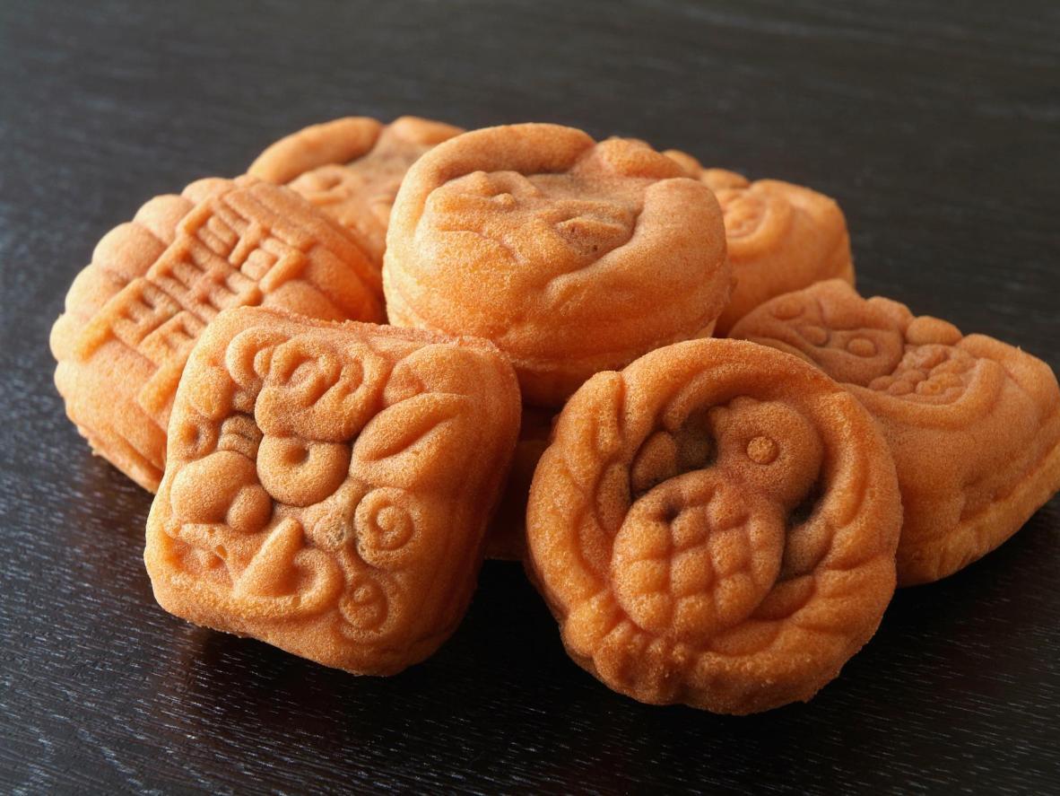 Pasteles pequeños en formas lindas y peculiares.