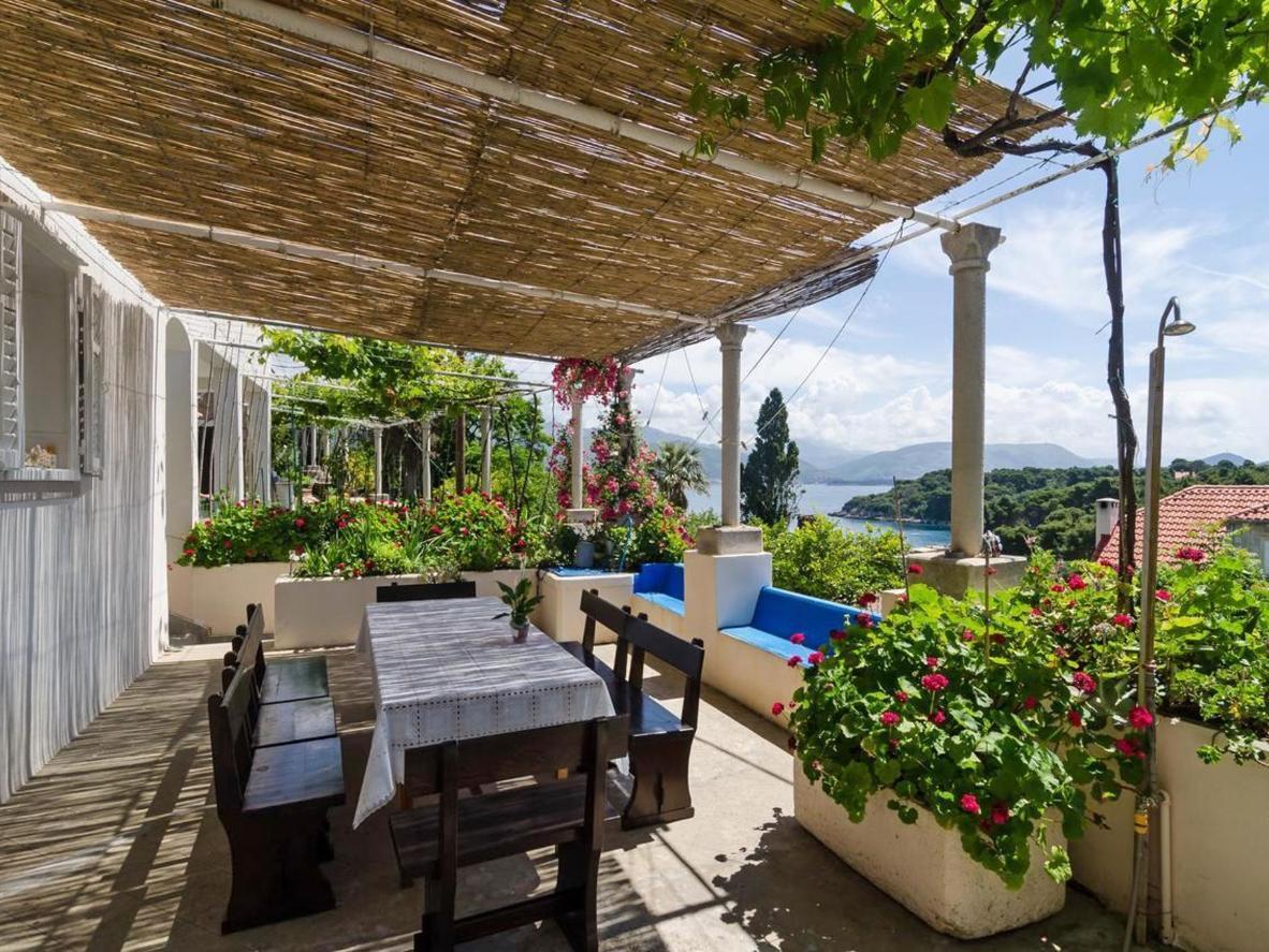 The heavenly shaded terrace at Villa Sea Dream, Croatia