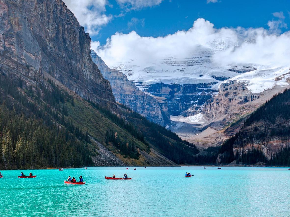 Lake Louise enjoys cool summers and snowy winters