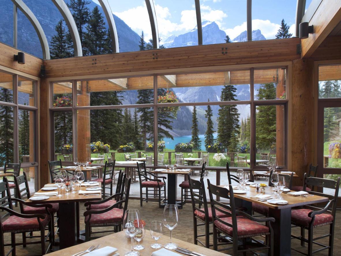 Moraine Lake Lodge, Lake Louise
