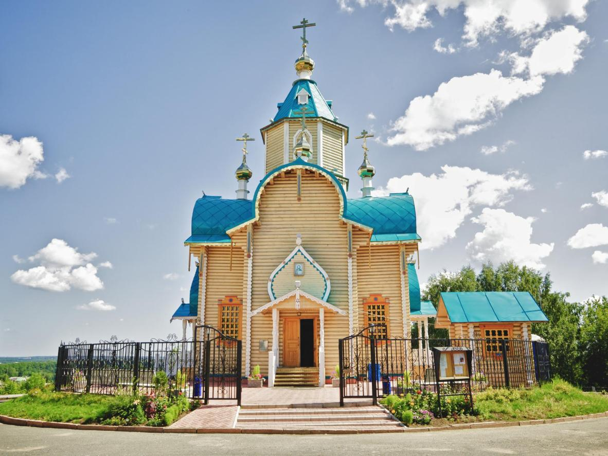 The attractive city of Kirov is best explored on foot