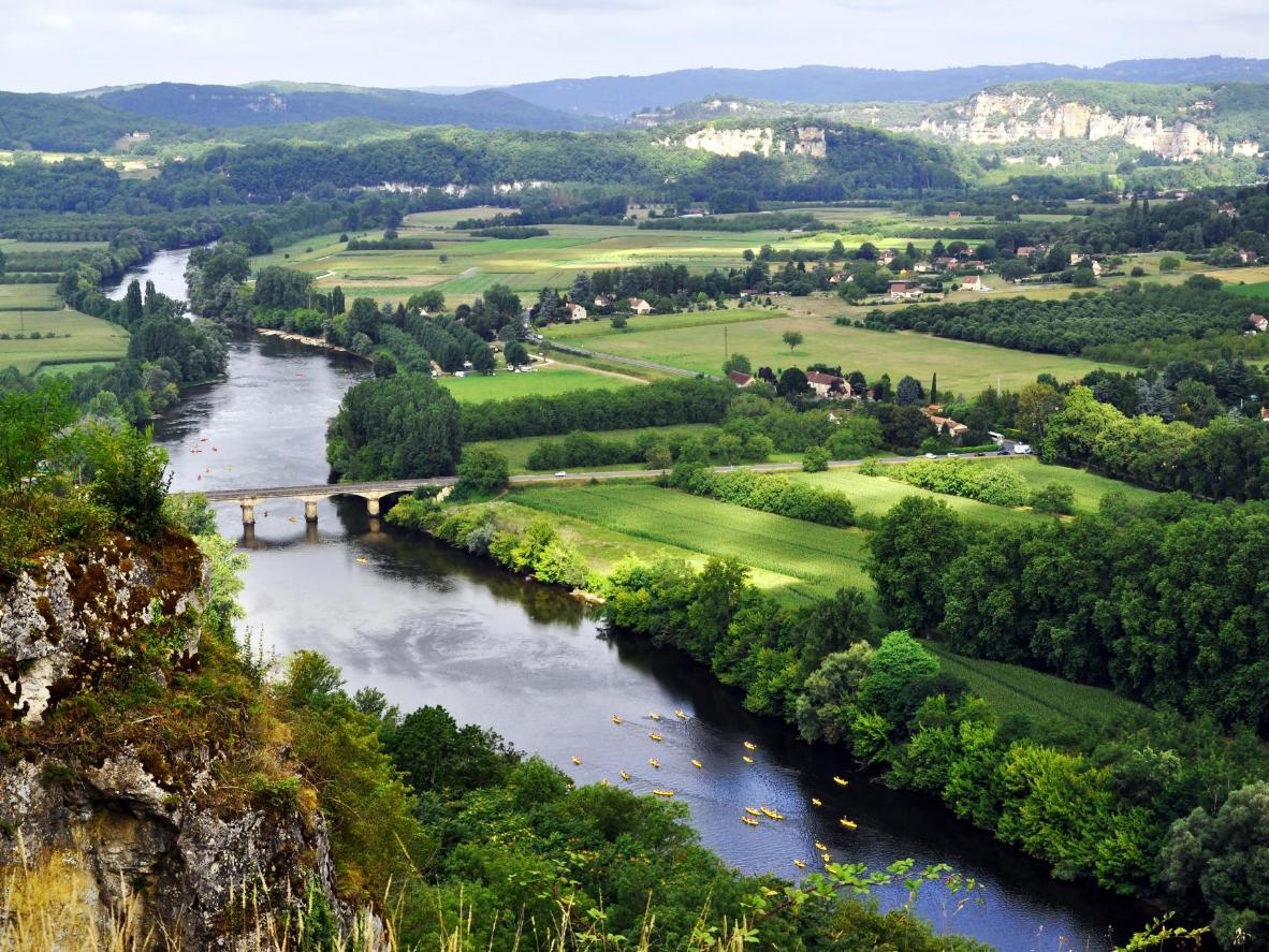 The Dordogne region can be explored on foot, horseback, by bike or canoe