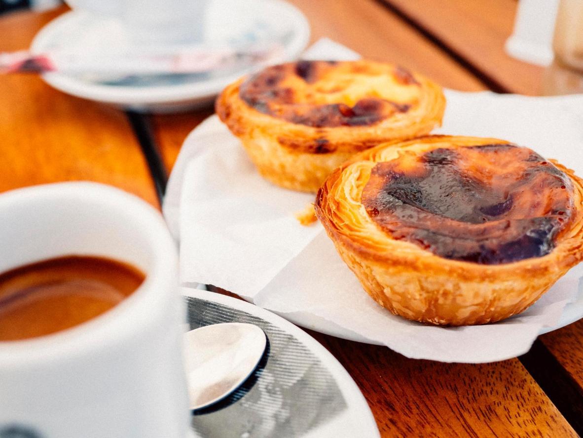 Tómese un descanso de la gira de Vila Vicosa y disfrute de una auténtica tarta de crema portuguesa