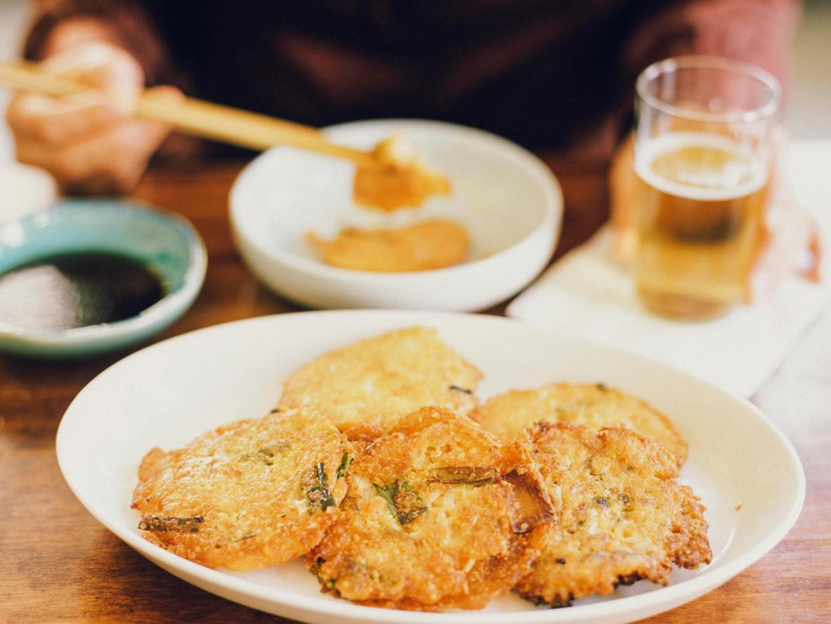Instead of batter, cōng yóu bǐng are made with dough