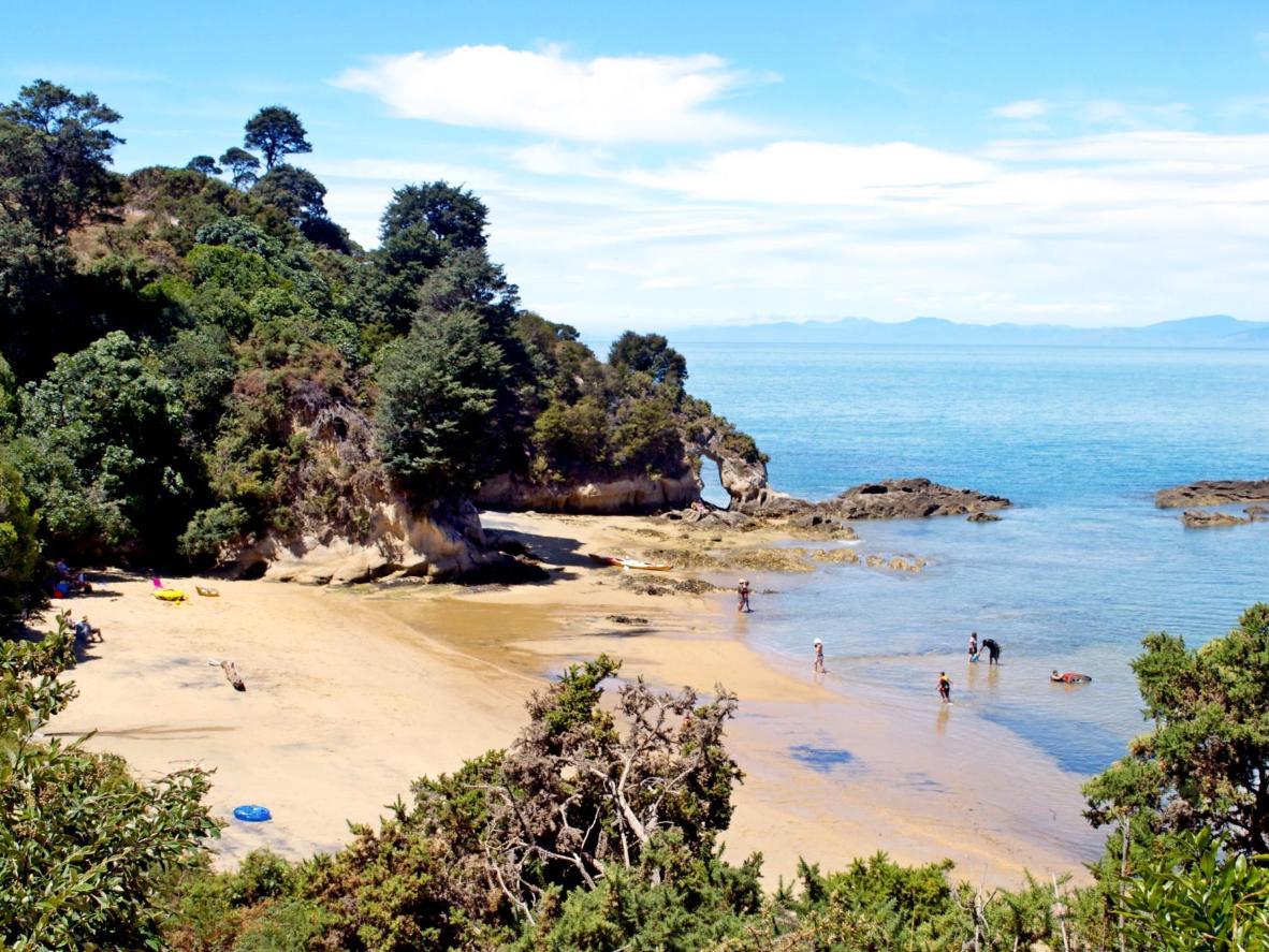 Kaiteriteri beach on the edge of Abel Tasman National Park
