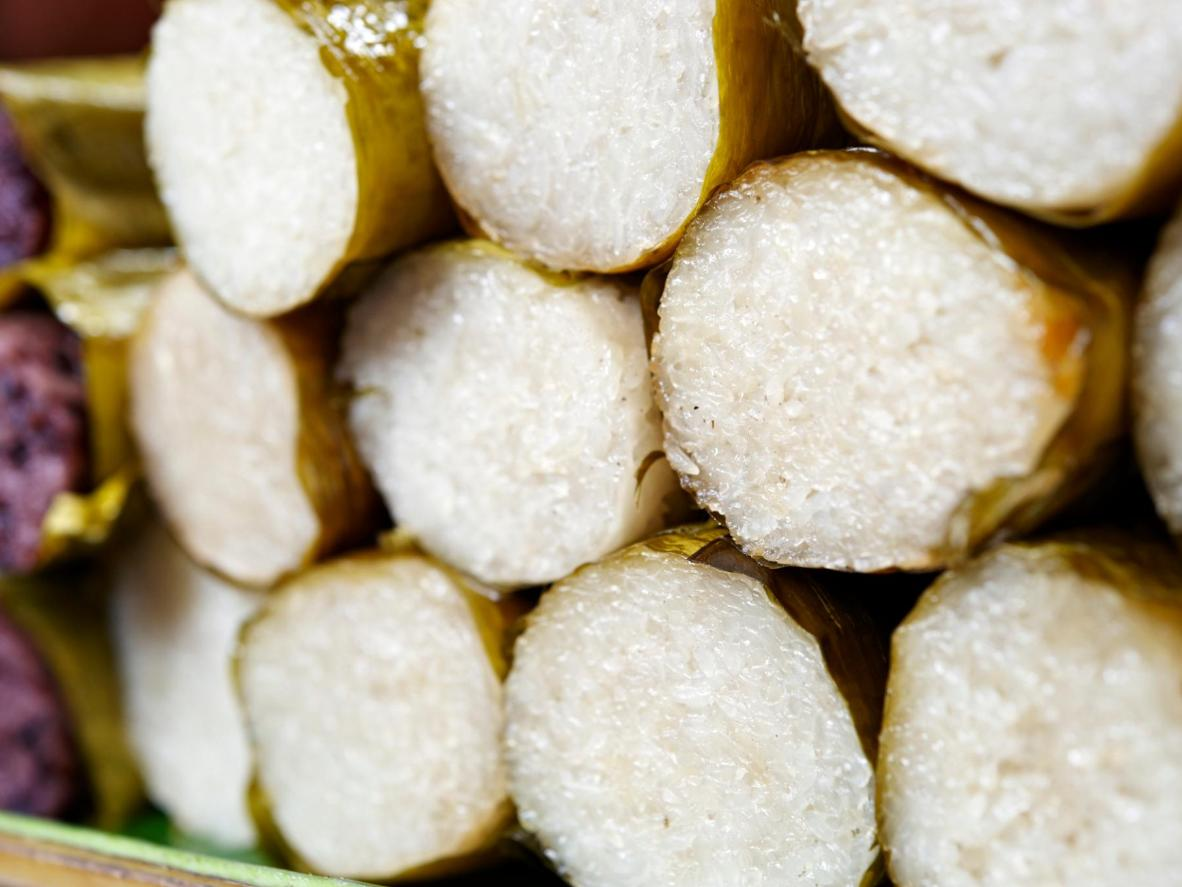 Introduce your kids to Glutinous Sticky Rice in one of Kuala Lumpur's fresh food markets