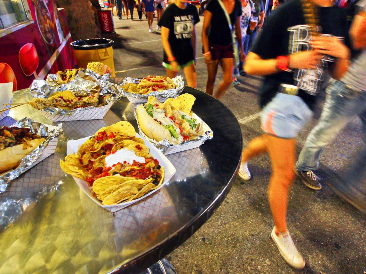 Texas-style portions are dished out at a state fair