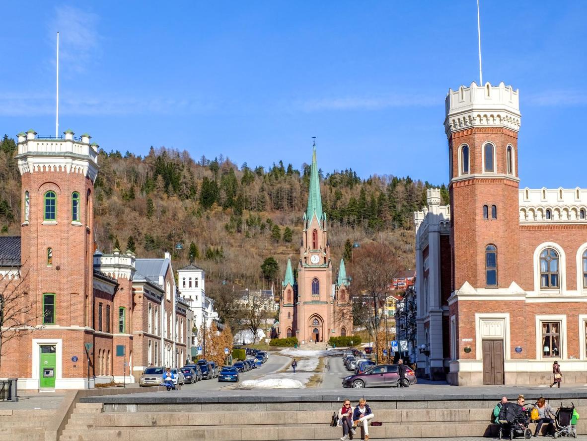 Wander around pretty town squares in Drammen