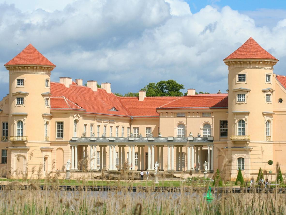 Rheinsberg Castle's design reflects the style of Potsdam's renowned Sansoucci Palace