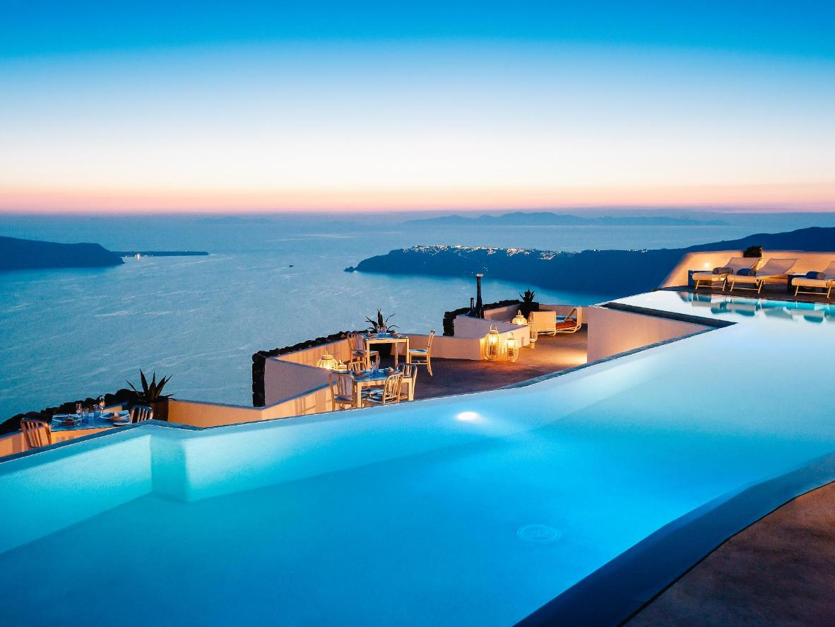 Infinity Pool Hotel Switzerland