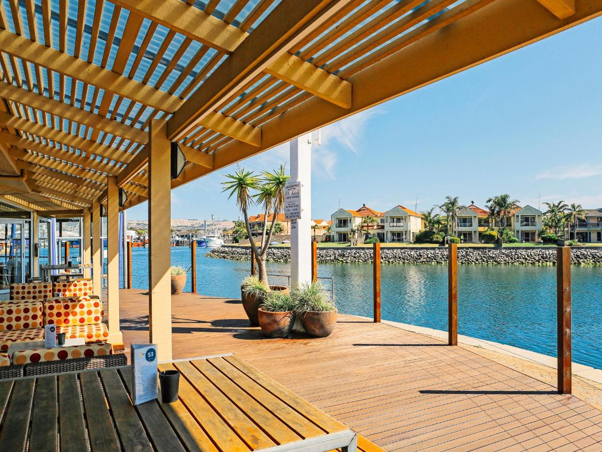 Marina Hotel is situated right by Port Lincoln's waterfront