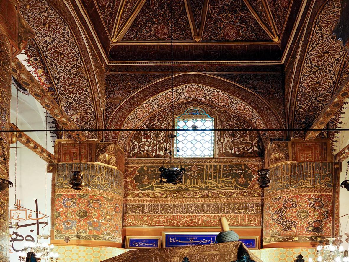 Rendez-vous à Konya pour visiter la tombe de Rumi, le poète mystique soufi