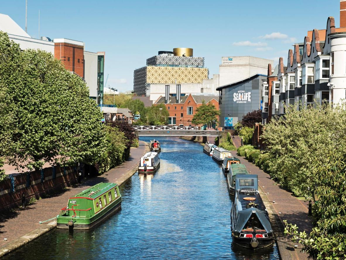 Canals running through Birmingham city centre