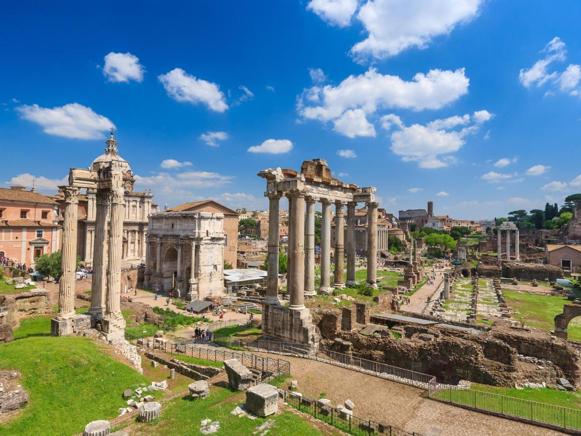 The ideal months for al fresco dining in Rome