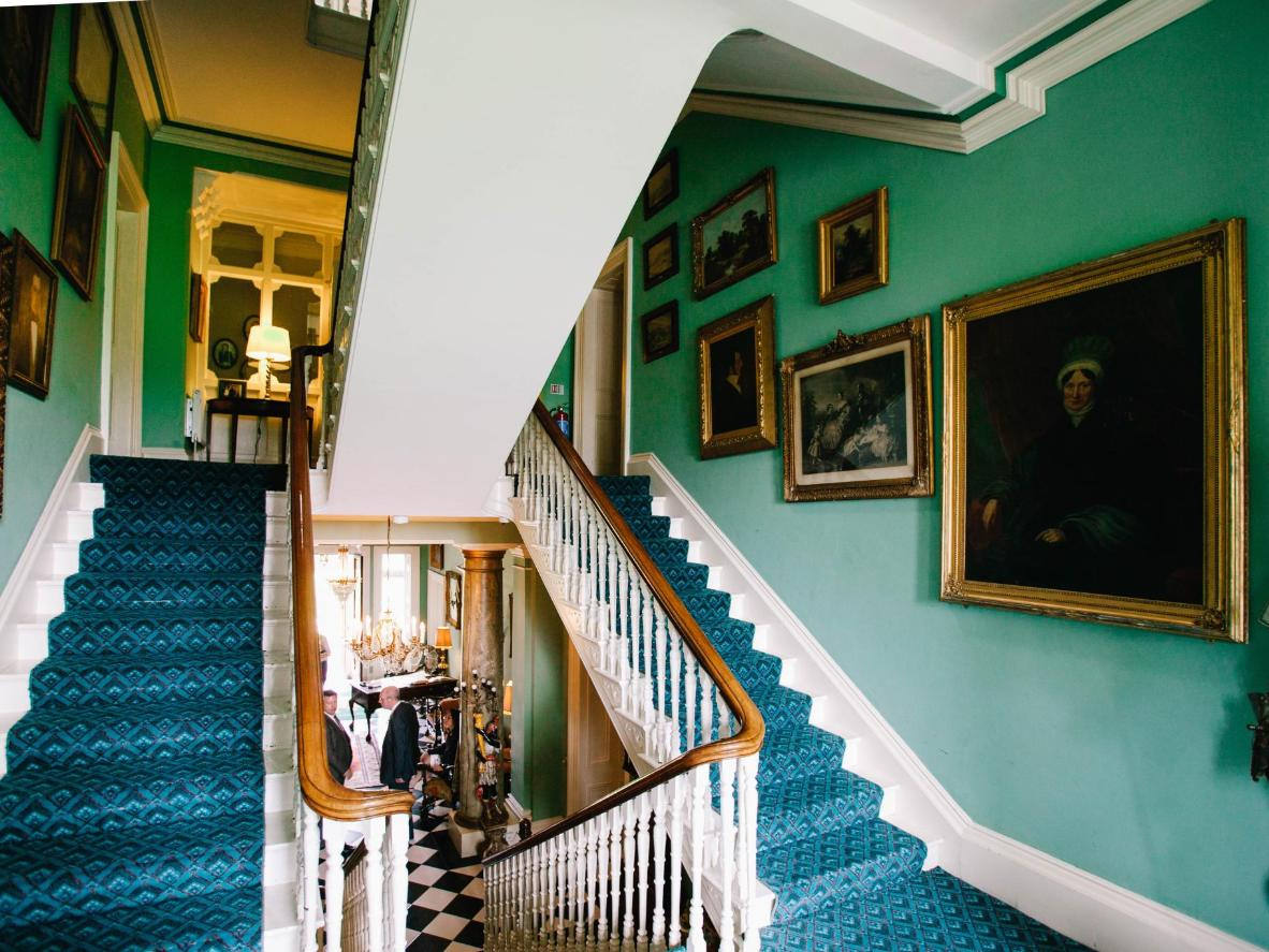 Ghost Hunting Hotel Vacations in the UK and Ireland: Hotels (Ghost Hunting in the UK and Ireland)