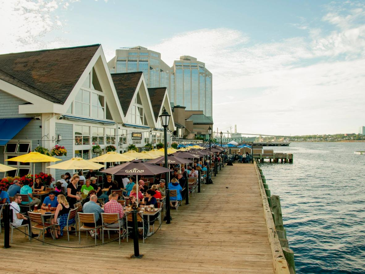 Grab a bite to eat at one of the restaurants along the Harbourwalk