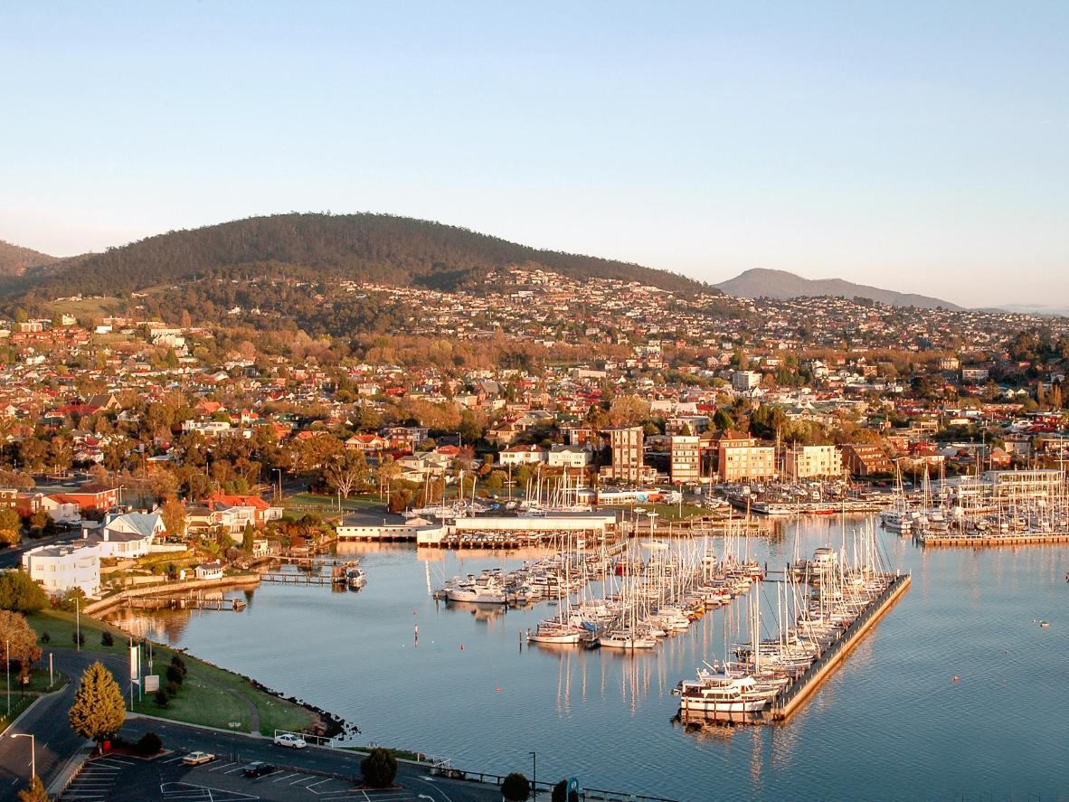 """Situado en el Puerto de Hobart, el MONA cautiva a los más pequeños con su """"Máquina que hace caca"""""""