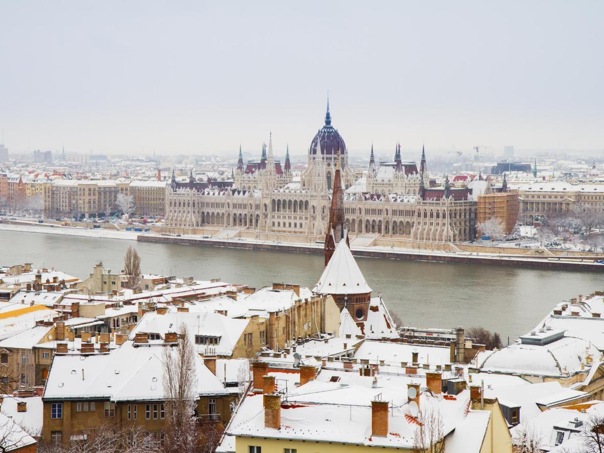 Les rues enneigées de Budapest sont dignes d'un conte de fées