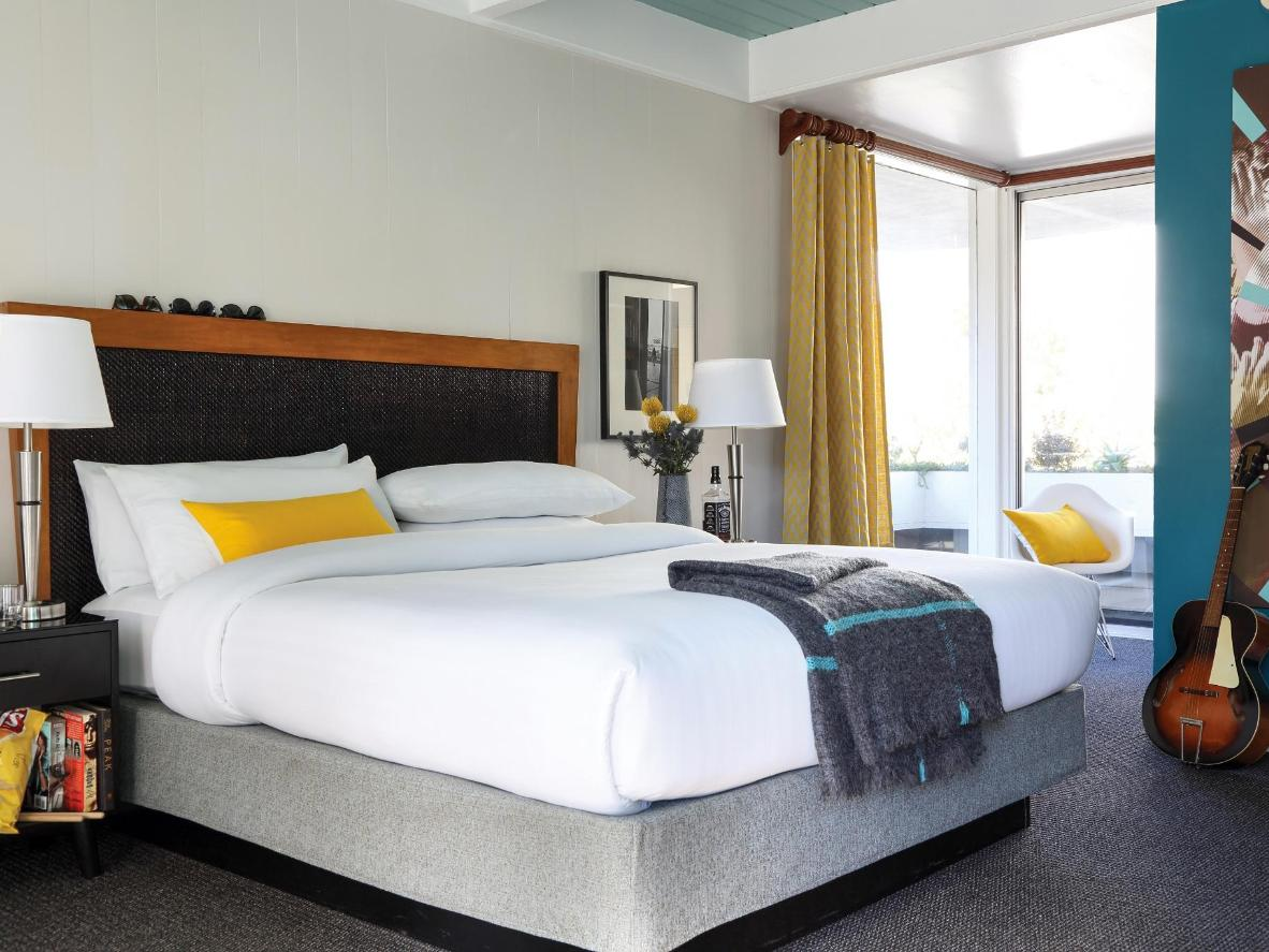 Pheonix Hotel