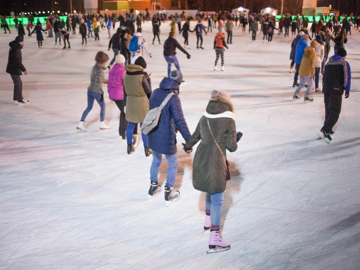 This outdoor rink is just outside of Moscow's bustling city centre