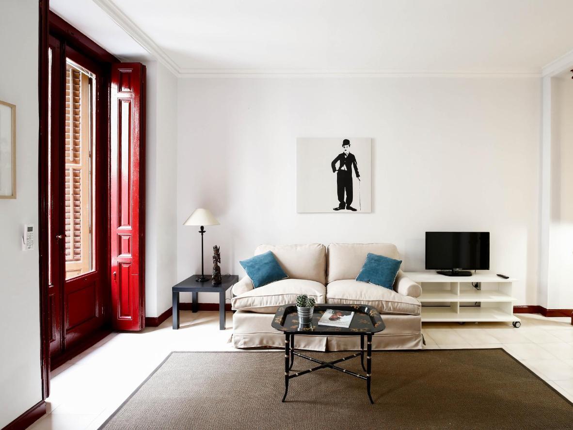 Estas suites bien equipadas ofrecen una mezcla de elegancia y estilo rústico.