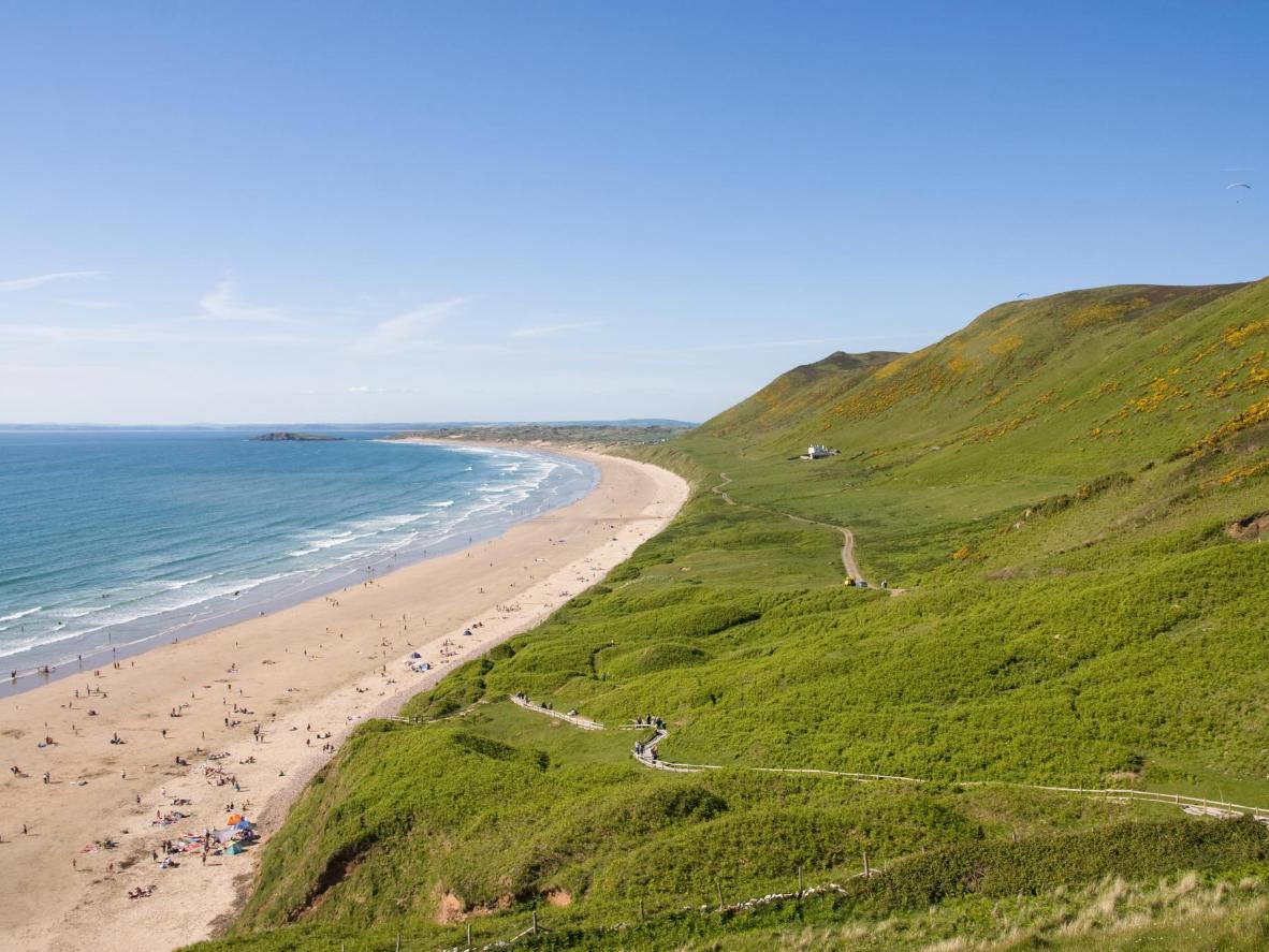La plage de Rhossili longue de 5 kilomètres offre un paysage digne de l'Australie