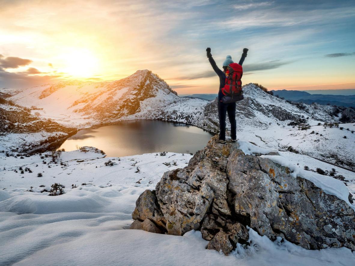Caminata a los lagos de Covadonga glaciares de gran altitud cerca de Cangas de Onís