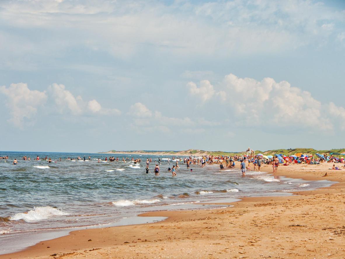 A sunny day at Brackley Beach