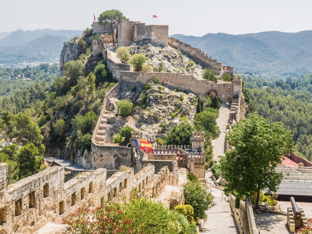 El castillo de Xàtiva se divide en dos: el castillo Menor (Castell Menor) y el castillo Mayor (Castell Major)