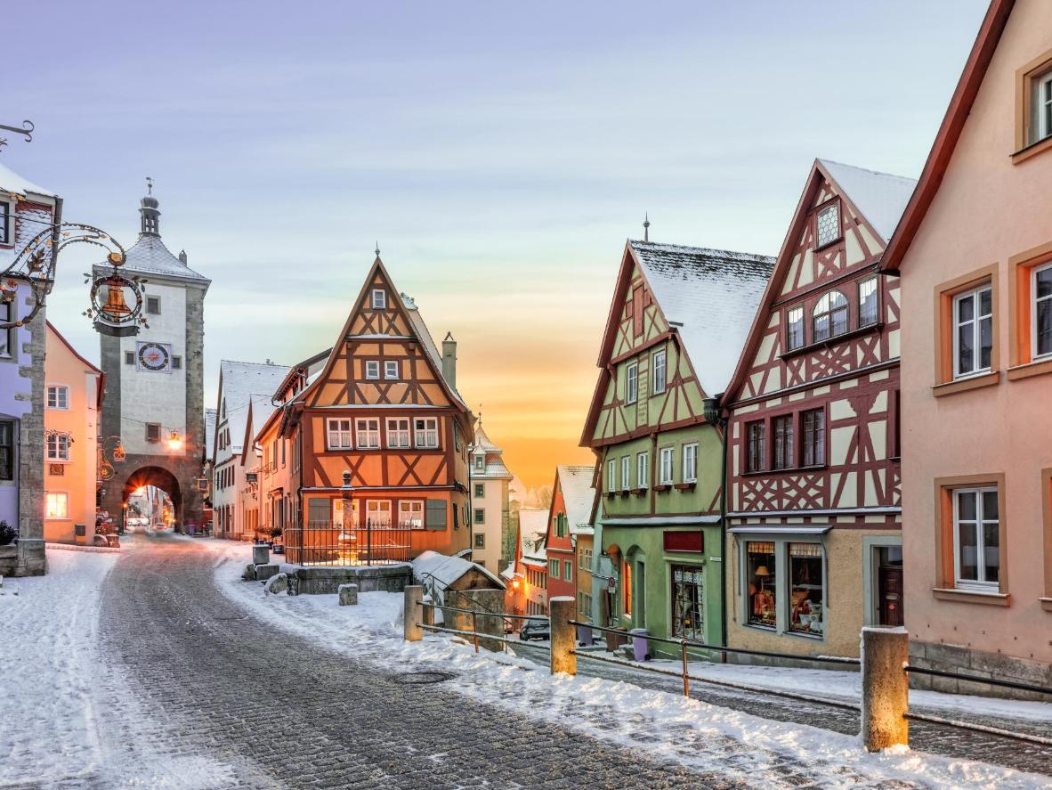 Wenn es schneit, wird Rothenburg zu einer bezaubernden Märchenkulisse