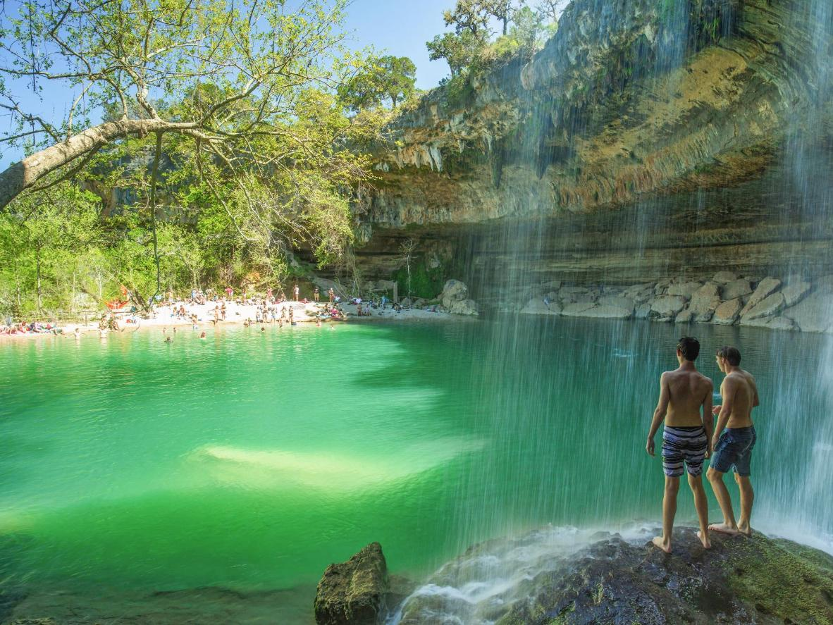 Le cascate naturali di Hamilton Pool in Texas