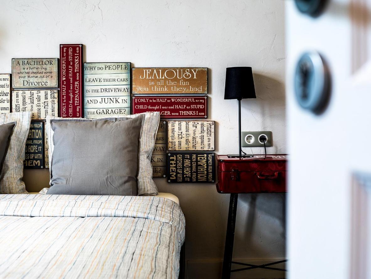 Soothing design and vintage artwork at 5 Vintage Guest House