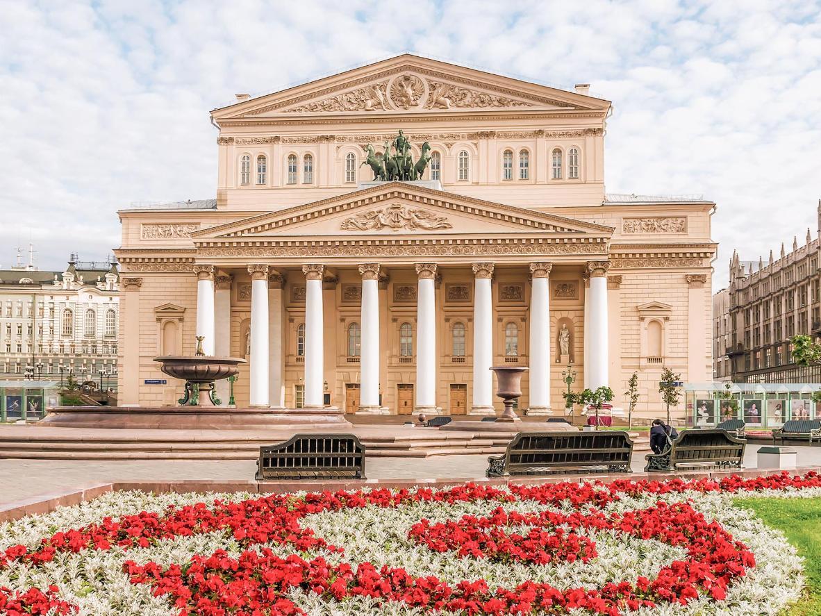 Le théâtre néo-classique Bolchoï est étroitement lié au Lac des cygnes