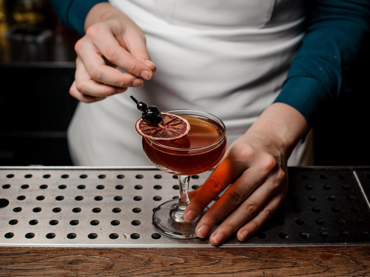Los brebajes de cítricos abarcan el elaborado menú de Gin Fizz.