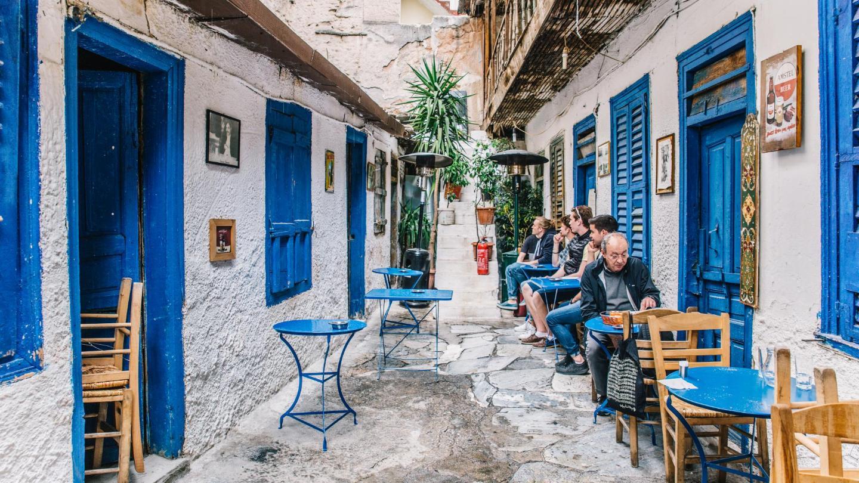 Comida casera con un toque gourmet en un ambiente griego auténtico en Avli
